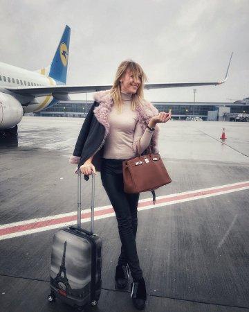 «Оператор побледнел»: Лесю Никитюк чуть не травмировал вертолет