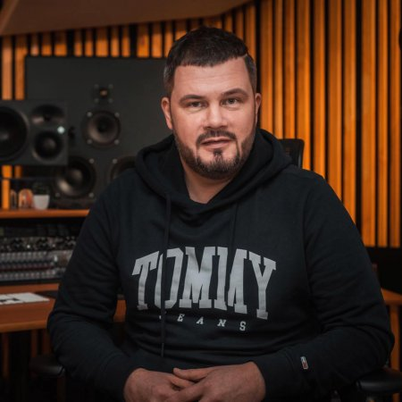 Продюсер Вадим Лисица признался «Зiрковому шляху», что певица Alyosha настаивала на его разводе